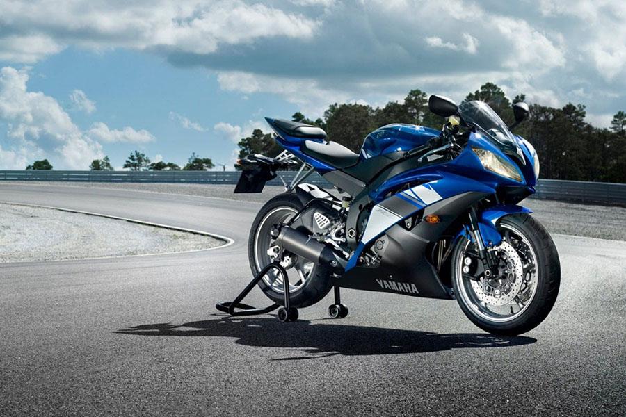 Yamaha R1 R1M